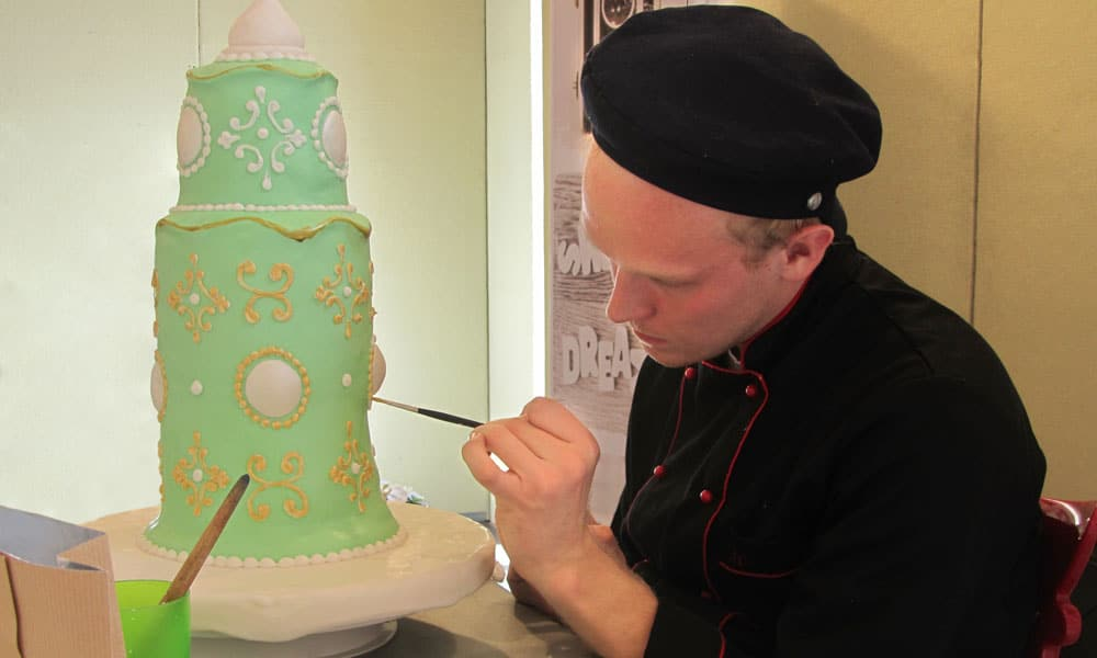cake fest italia event planet group food & wine chef decora torta