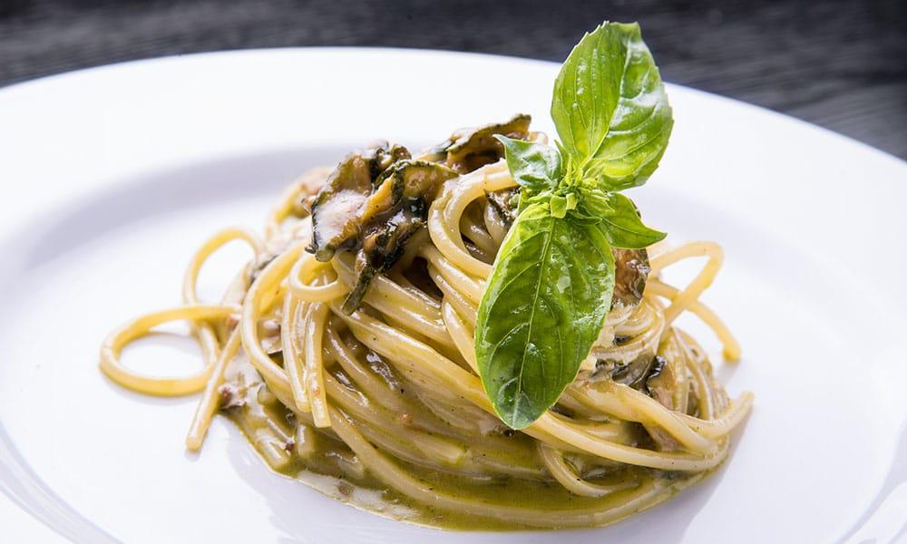 fresco caracciolo inaugurazione event planet food & wine spaghetti con zucchine e basilico