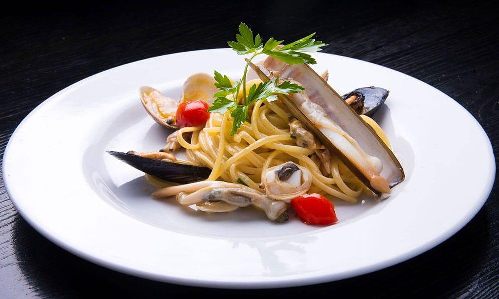 fresco caracciolo inaugurazione event planet food & wine spaghetti con frutti di mare