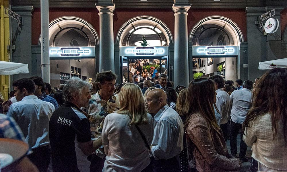 fresco caracciolo inaugurazione event planet food & wine ingresso locale apertura inaugurazione