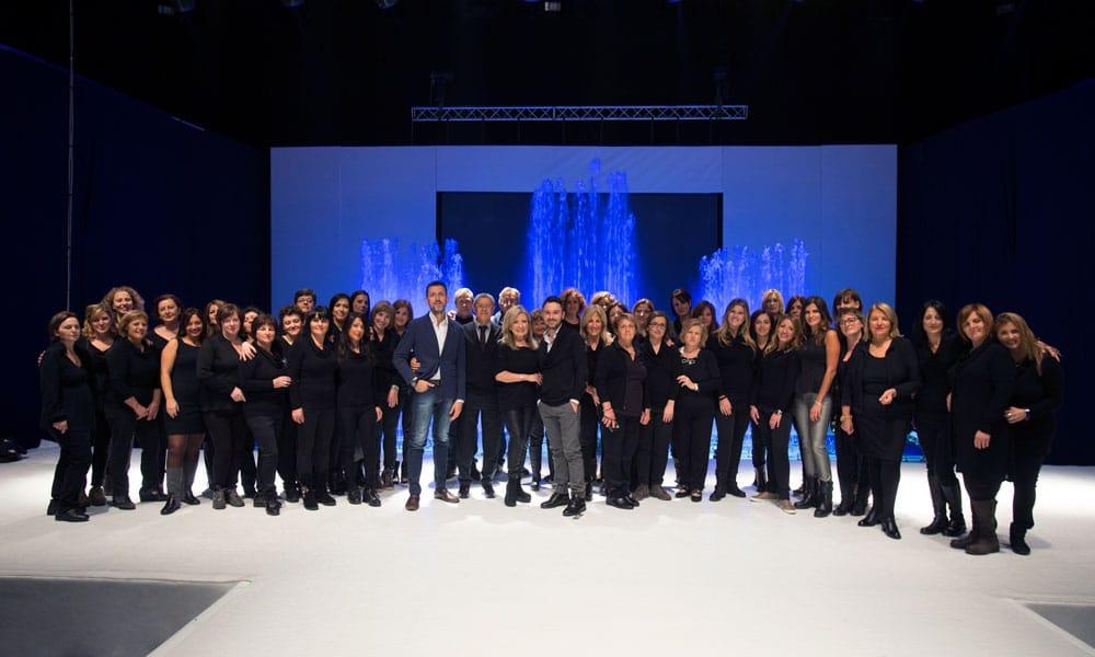 sfilate moda passaro sposa event planet group conference event foto di gruppo