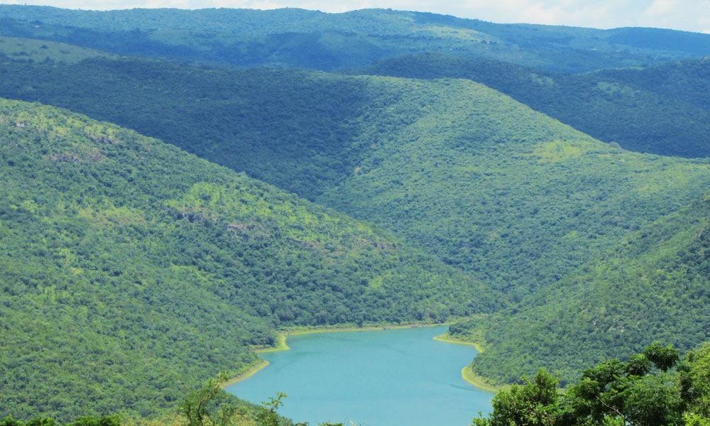 sud africa event planet group incentive travel veduta aerea lago immerso nella natura